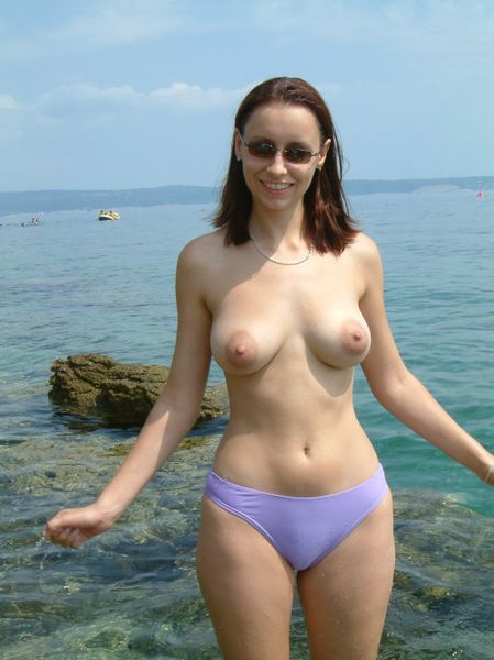 exhibitionist wife beach