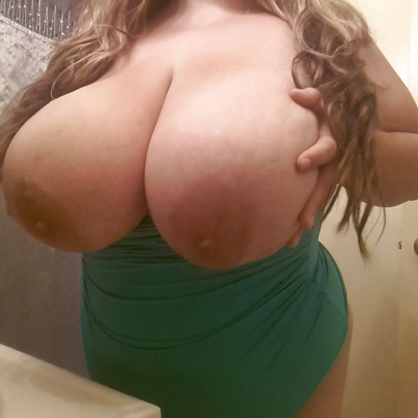 Huge amature boobs fucking