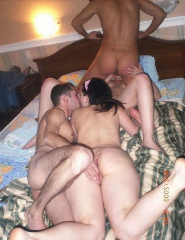 amateur threesome swinger video