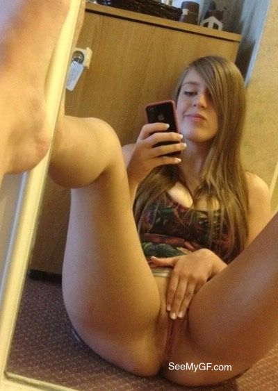 Sexy Teen Hot Seflie leaked snapchat porn photos