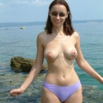 Nude Beach Girlfriend - Amateur Nudism and Naturism porn pics and videos